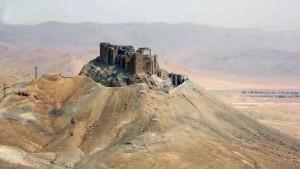 Burgberg von Tadmur, Palmyra überblickend. Bild: SANA